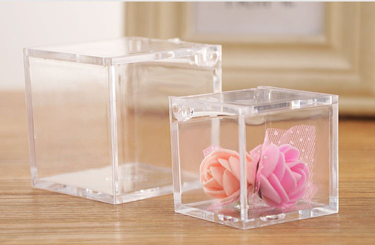 Benefits of using plastic gift boxes